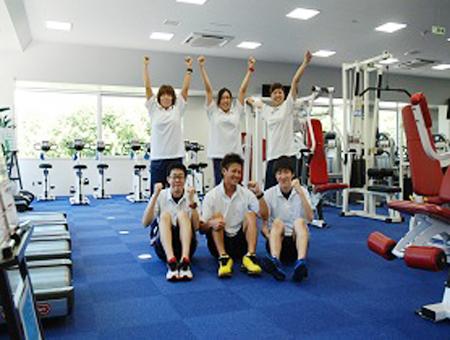 運動施設トレーナー